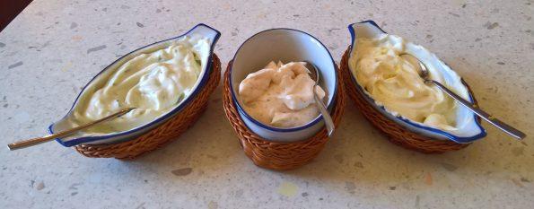 Tre maionesi vegane a base di latte di soia, aceto di mele e olio di semi