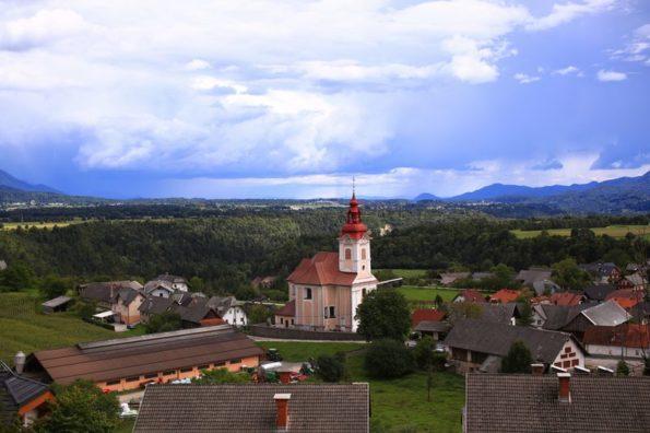 Chiesa rossa a Zasip
